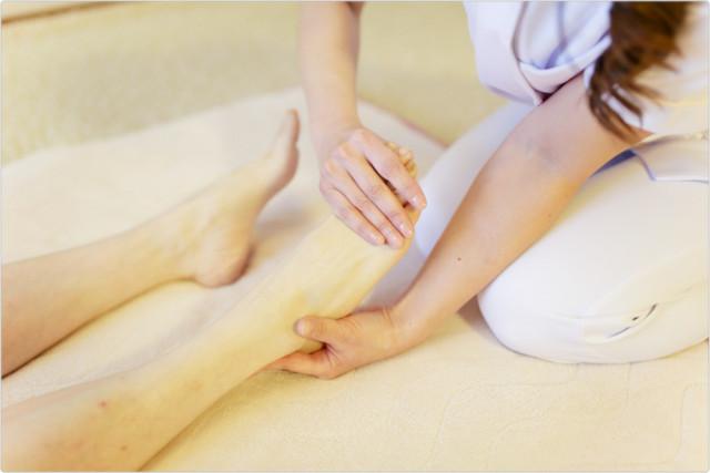 O脚美脚矯正の施術